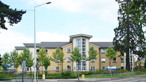 New housing on site of Farnborough Hospital